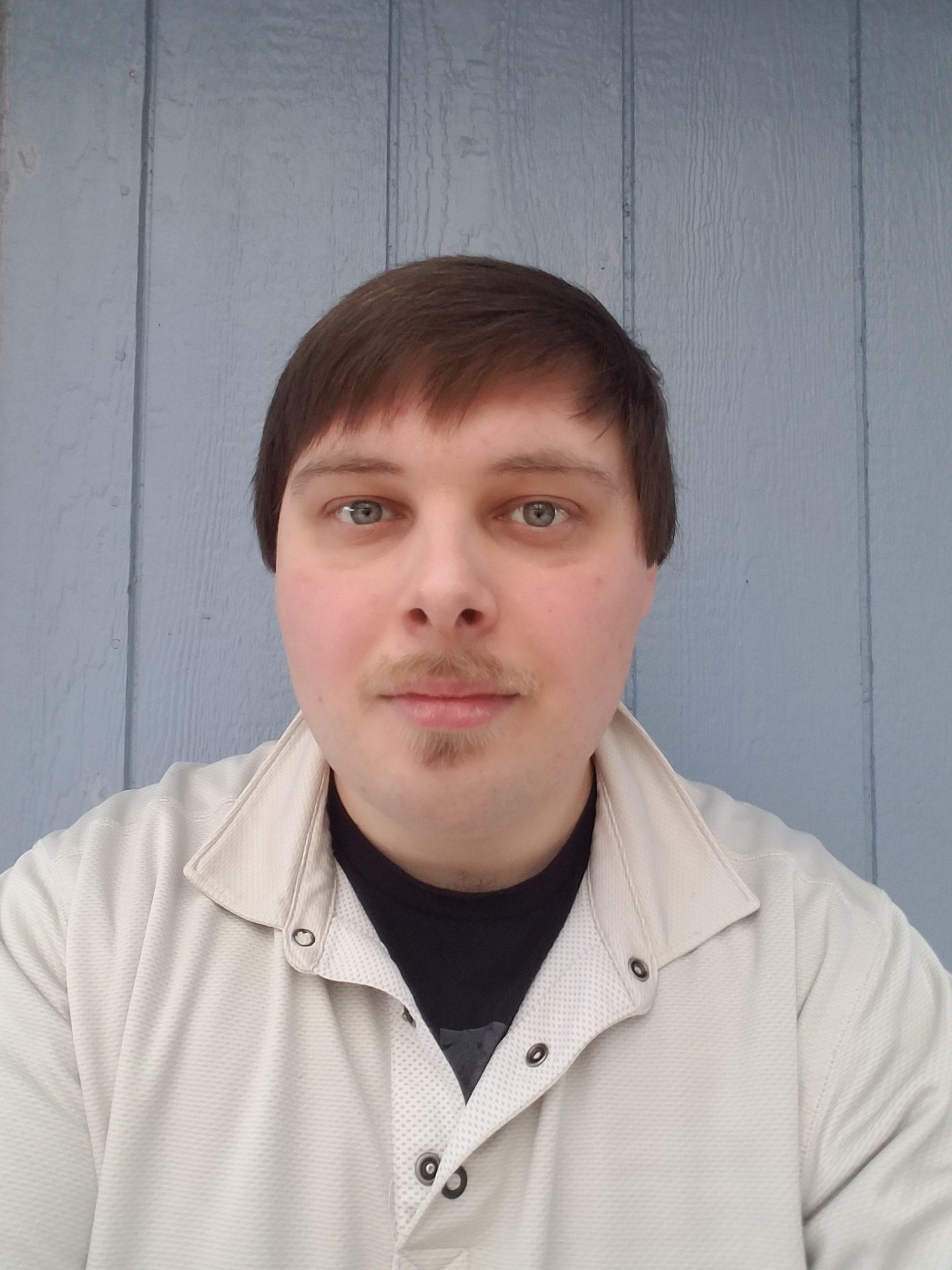 Photograph of Alex Decknadel