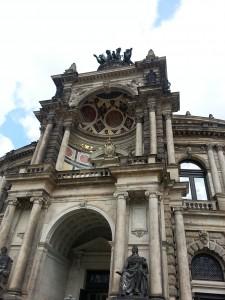 Semper Operhaus