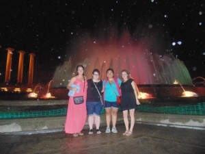 The girls at the fountain show in Barcelona