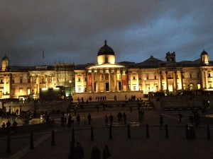 The National Gallery all lit up at night.