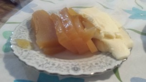 This is the picture I took of the classical desert of Argentina I tried, dulce de batata con queso (sweet potato candy with cheese).